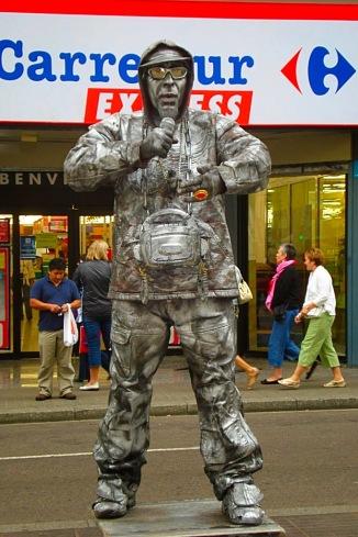 Picture of street performer on Las Ramblas Barcelona