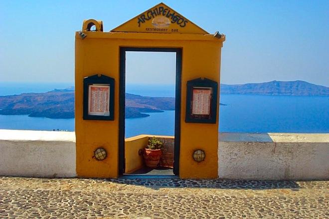 SantoriniRestaurant_CopyrightLetsTravelWells