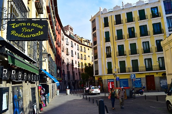 MadridArchitecture_CopyrightLetsTravelWells