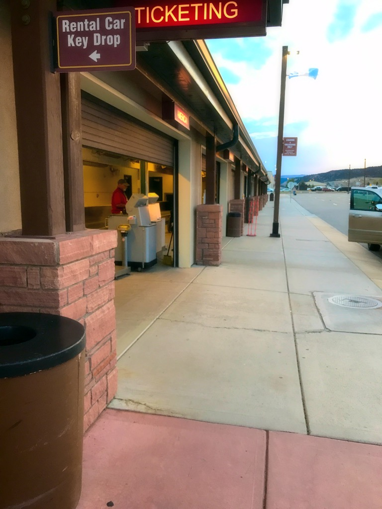 Picture of Eagle Regional Airport Curbside Check-in