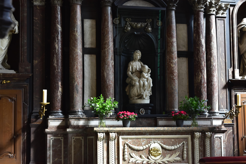 Picture of Michelangelo's Madonna of Bruges Sculpture