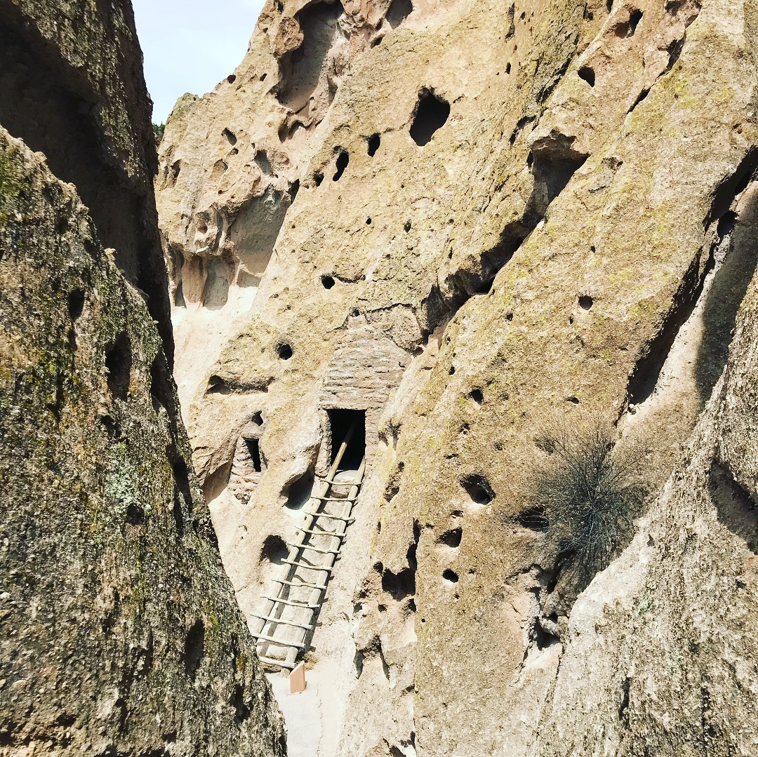 Picture of ladder into Pueblo Cliff Dwelling